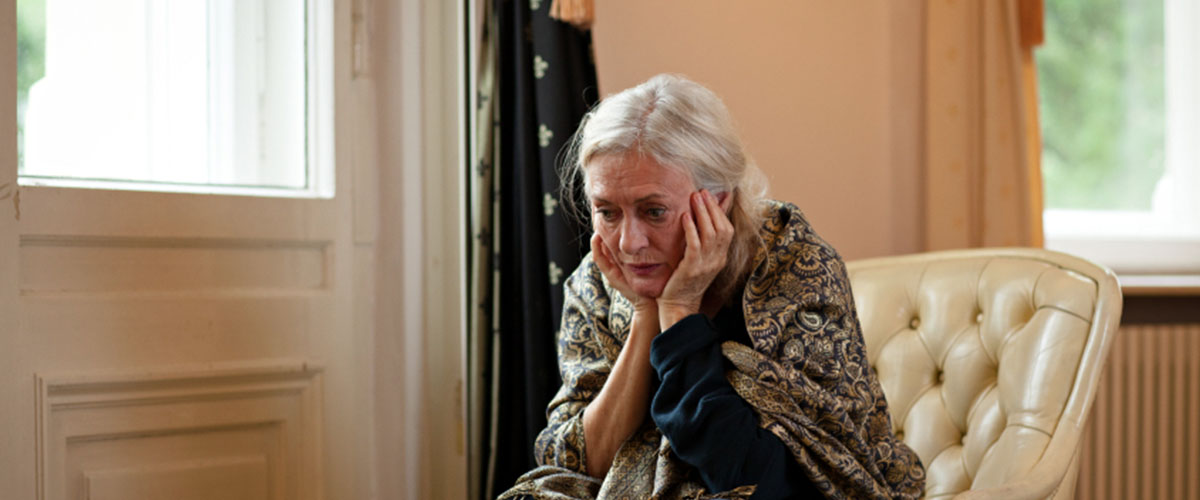 Elderly woman in need of counselling